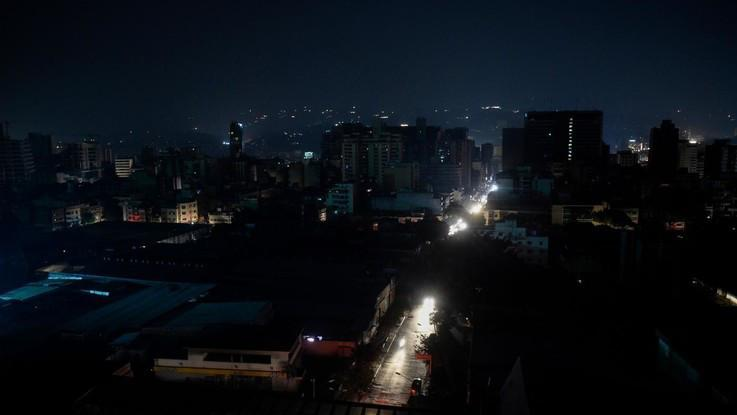 Argentina e Uruguay senza corrente, blackout totale