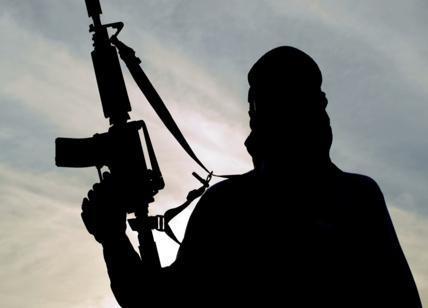 Terrorismo, arrestato un foreign fighter italo-marocchino: aveva combattuto con l'Isis