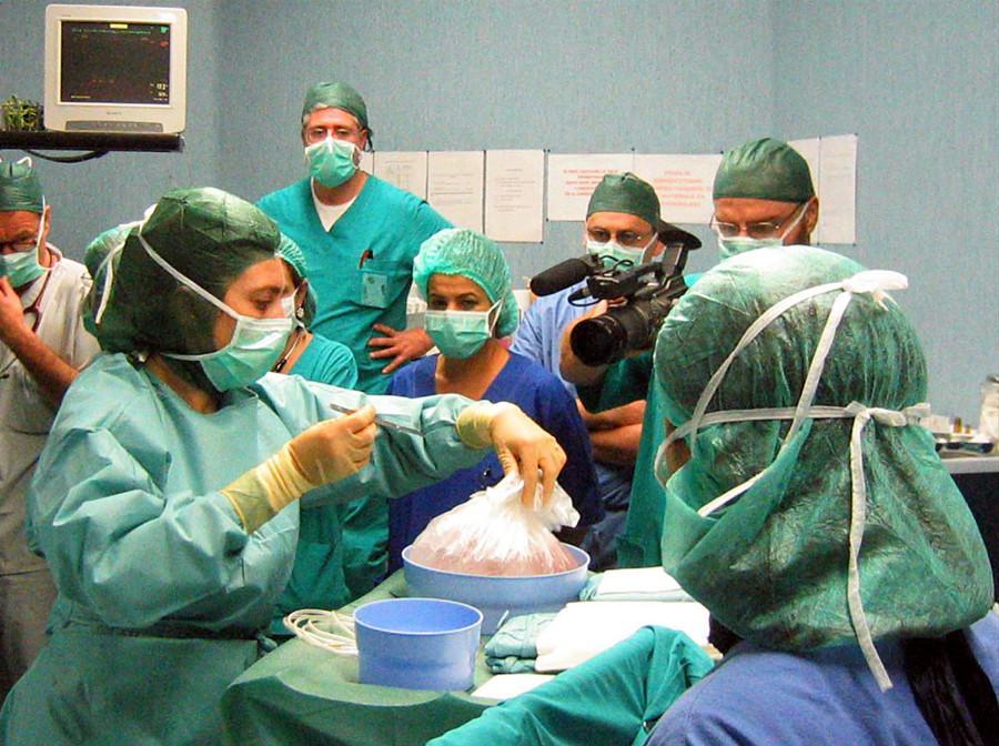 Torino, cuore artificiale per 18 mesi: trapianto salva bimbo