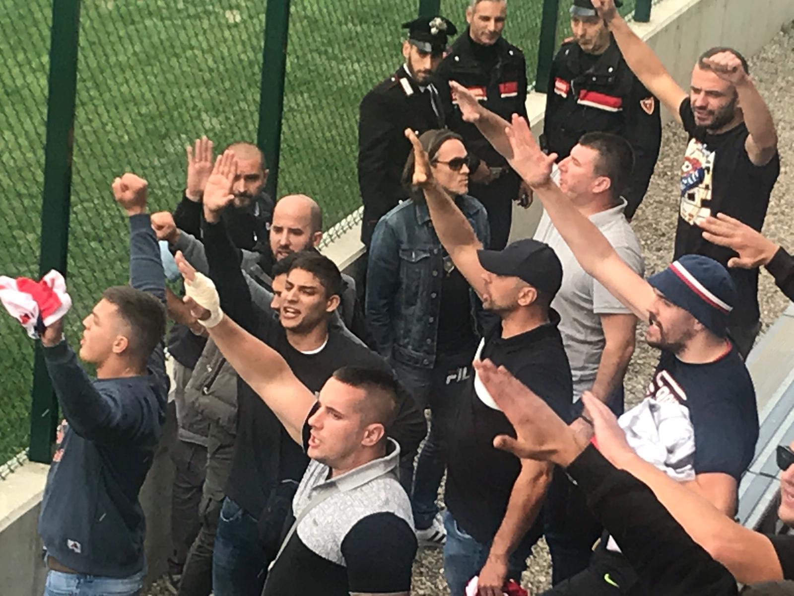 Brescia-Vojvodina, invasione e bandiere albanesi: match sospeso