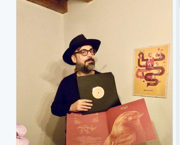 Ascolta Cip!, quinto album del cantautore calabrese Brunori Sas | Streaming