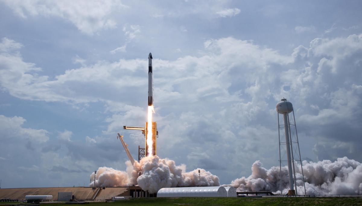 SpaceX, lancio perfetto. L'America in festa:
