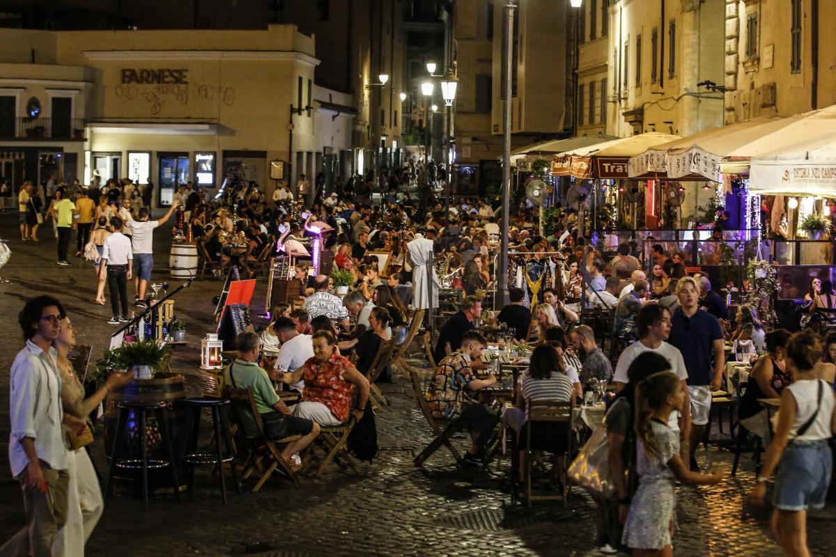 In Italia 402 nuovi contagi e 6 morti
