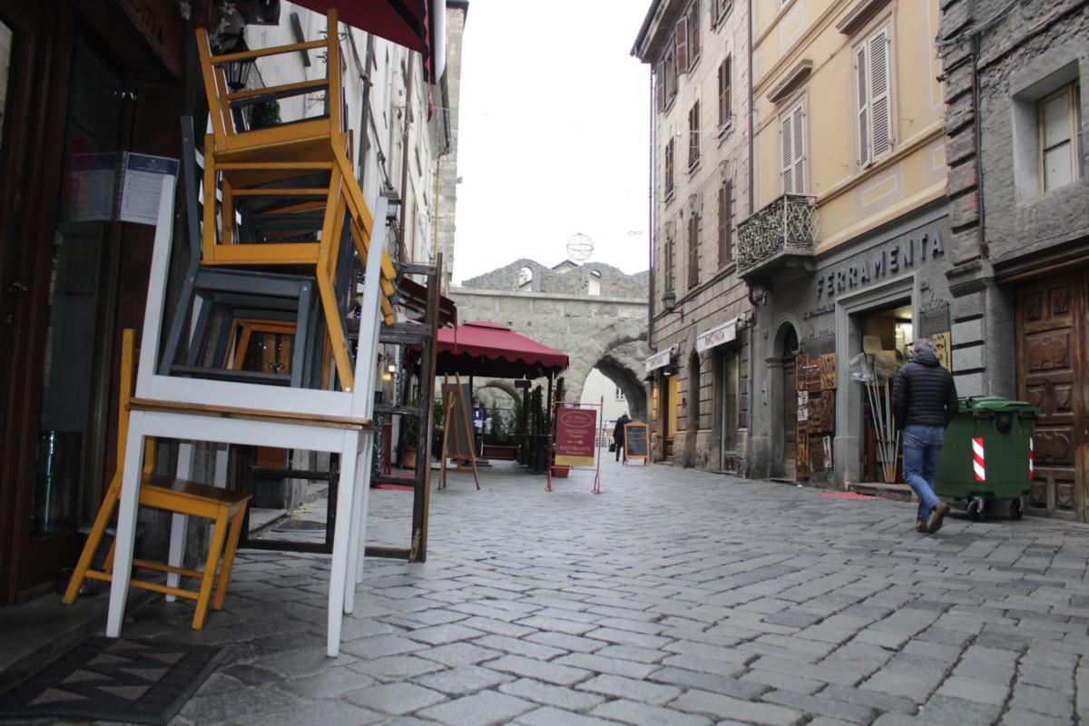 Locali e negozi chiusi a Aosta